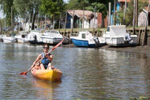femme sur canoe kayak